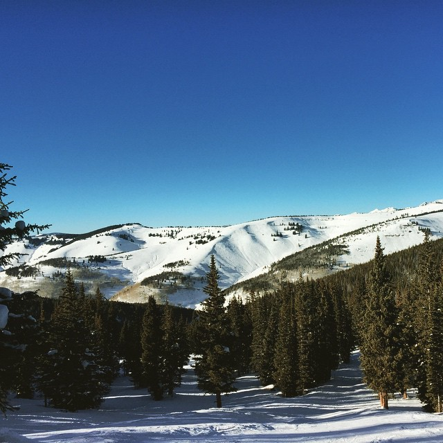 Today was a day huh? Bluebird skies from Blue Sky Basin #Vail #VailLive #Snowboarding #HappyPlace #sisterhoodofshred #outdoorwomen #thegreatoutdoors #explore