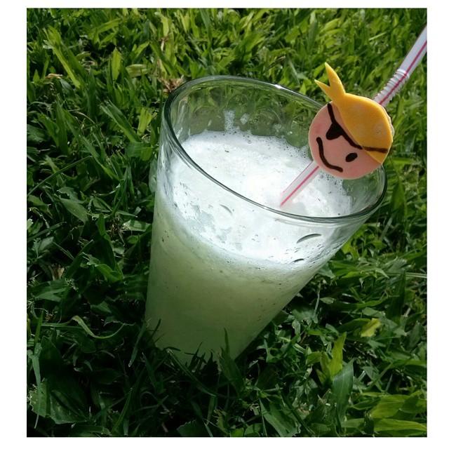 Si la vida te da limones... hielo y menta, y hacé una limonada!! #frozen #lemonade #limonada #limon #lemon #mimando #hermanos #frescor #ricor #summer