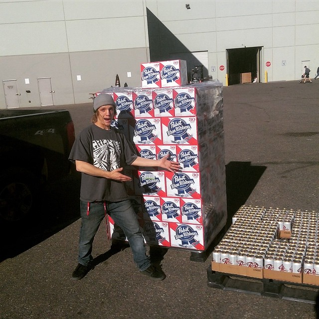 Just stocked up for SIA Happy Hour thanks @pabstblueribbon come by booth 3679 for all the pertinent deets!