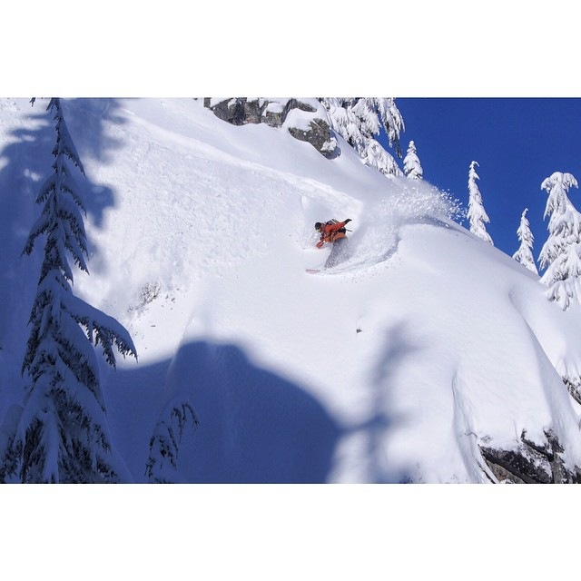 @eanwood puts it right where he wants it @stevenspass in his #BeastJacket!