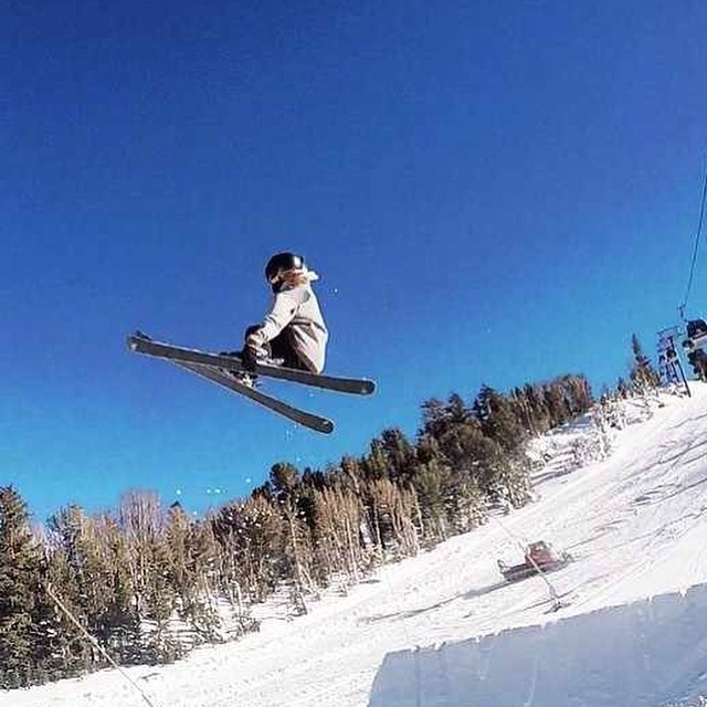 #Juneuary is treating Coalition Snow #athlete @sandradejin well during her #USA visit! #sunsoutgunsout #sisterhoodofshred #skiing