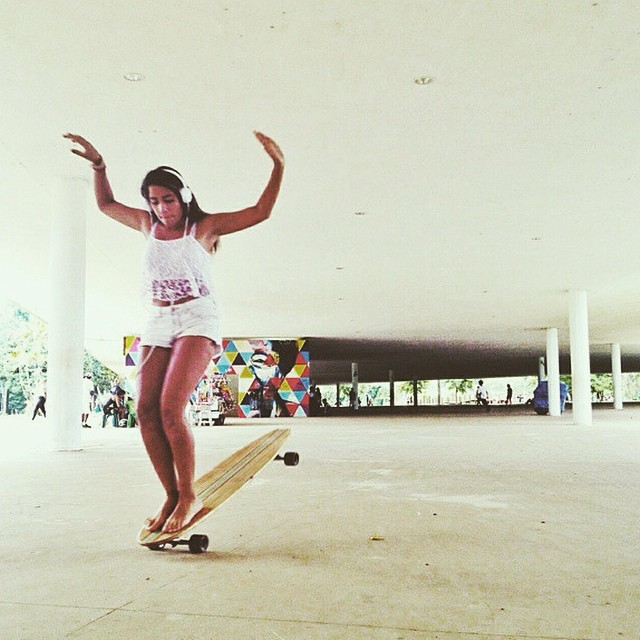 @alinneduartep saying good morning from #Brasil. Bon dia! @alxwatanabe photo  #longboardgirlscrew #girlswhoshred