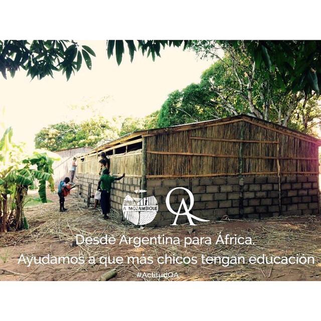#AulaQA en Mozambique.  Ayudamos a construir a los chicos de @amozambique porque Educación=Igualdad  #QuienSabedeActitud #QuieroAyudar www.QA.com.ar
