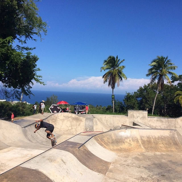 Bunch of shredders shredding the quebradillas skatepark, competition starting soon!