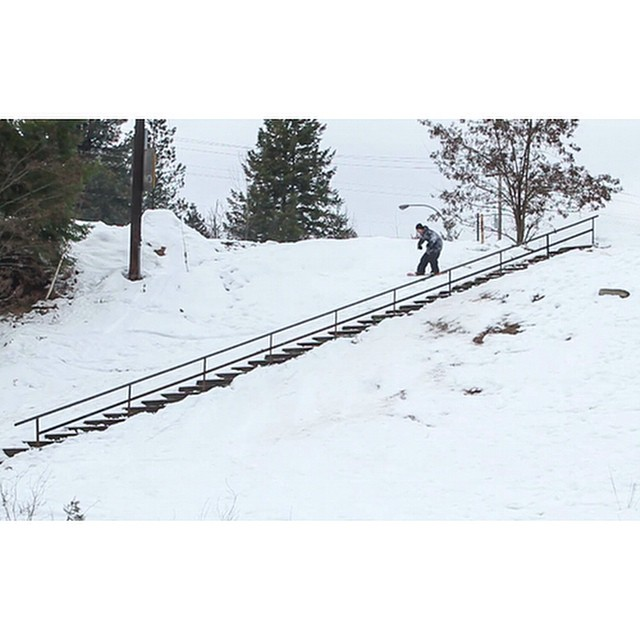 @justjbritton repping Nelson, BC with this beastly 100 foot street rail. Video Grab from @wyld_instinct . #countthesteps #beastmode #canada #flux #snowboard #fluxbindings #snowboarding ❄️
