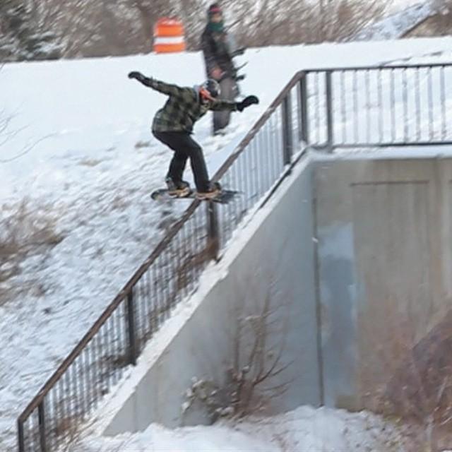 Team rider from #Minnesota @azizipflipsen❄️#Snowboarding #FrostyHeadwear