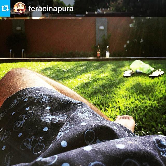 #Repost @feracinapura with @repostapp.・・・#trajedebaño #bicicletas #summer #borna #amsterdam #swimwear #shorts