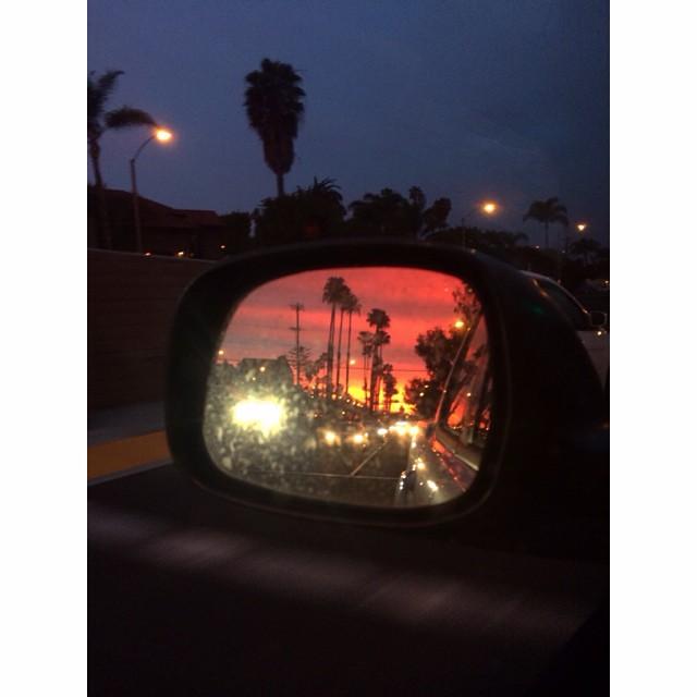 Nightcall. #eveningcommute #commutes #lookbackatit #omgsunsets #snapanddrive