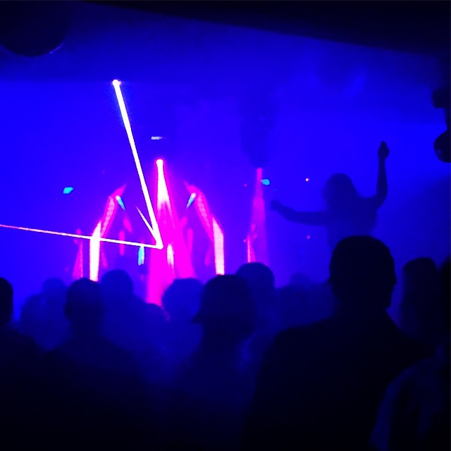 Highest nightclub in all the land (in more ways than one) // Mid-Vail got decimoed by some house music last night #PaulOakenfold #Decimo #Vail #VailLive #nightlifeelevated #lasers #lategram #Colorado #eurovail
