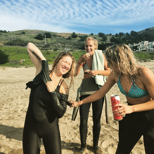 #kindafancy problems... Peeling your wetsuit off if you already have a buzz.  Good thing you have friends to help and/or laugh! #surftrip #pacifica #saturday #norcal #beach @lhoell @laprestif