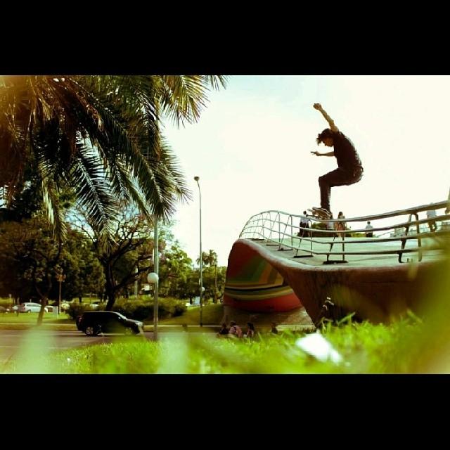 @perinapow jugandosela toda. Foton de Kevin Patricio Enis. #skate #skatevans #skateboarding #skateargentino #teamvans
