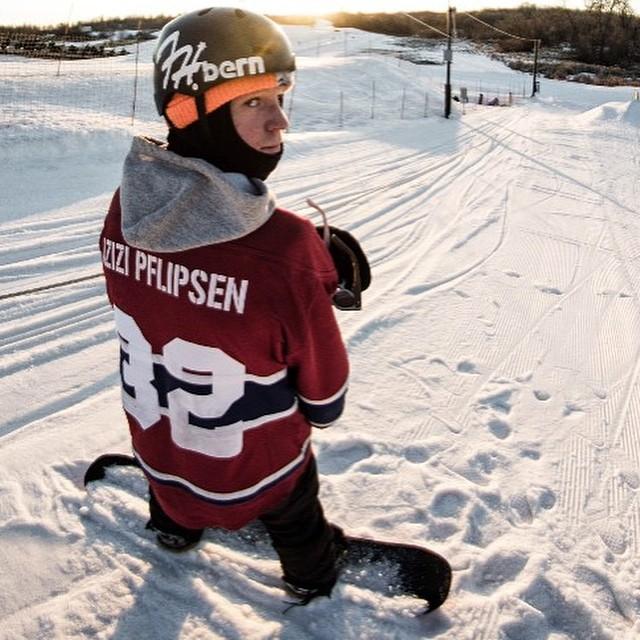Team rider from #Minnesota @azizipflipsen❄️#FrostyHeadwear #Snowboarding #EmbraceYourOpportunity