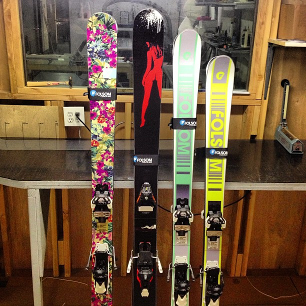 L to R 186cm Trigger II, 188cm primary, 180cm Blue Note Carve, 170cm Blue Note Carve all headed up to @coppermtn for the SIA on snow. Who's gonna be up there?