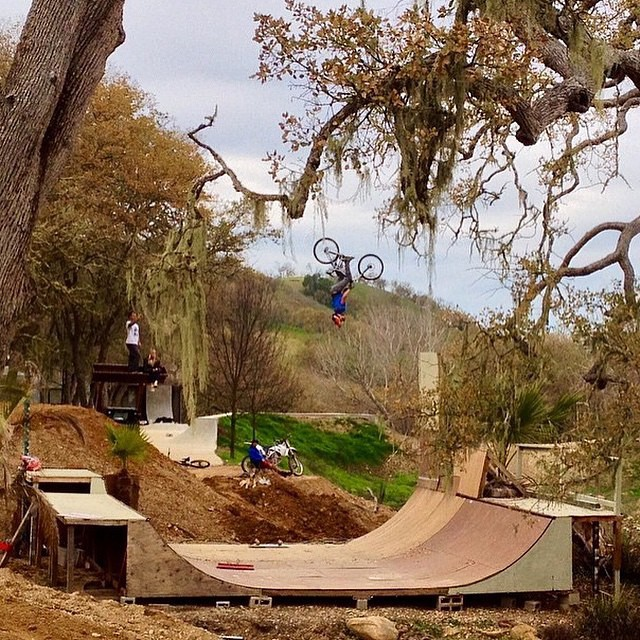 Do you know @dustywygle ? Here he is at the GCK compound #goingham #gkc #bult #mental ⚡️