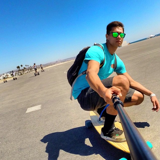 #LifesABeach | California cruisin! @the_halfie sports Bali shades - #Kameleonz #EnjoyTheRide #ThisIsMyBeach #Sunnies #Beaches #Travel #Monday #Morning #Relaxing •• Kameleonz.com