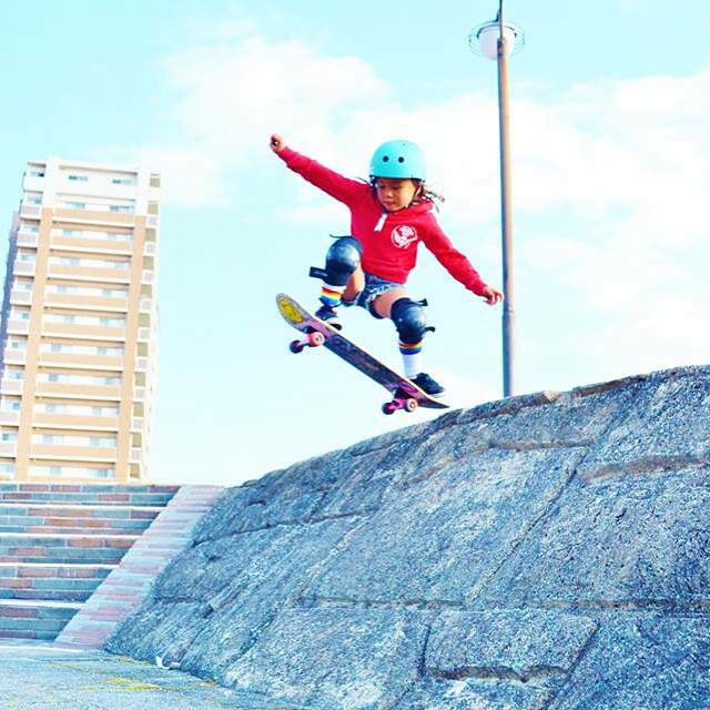 (Little) #girlswhorip! Sky from Japan jumps on her skateboard after a morning surf #gogirl #skatebikeboardski #xshelmets