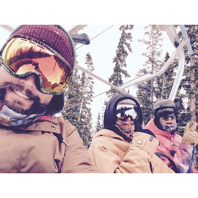 Solid day lapping with the crew @mcneildiamond @dbagpro @edgeoworldnc @whocutthechez @thepandolphin @jah_spacecase #treelaps #mandatoryliftpic #selfiesareforgirls #coppermtn #happyshredding #soreasfuh #stzlife