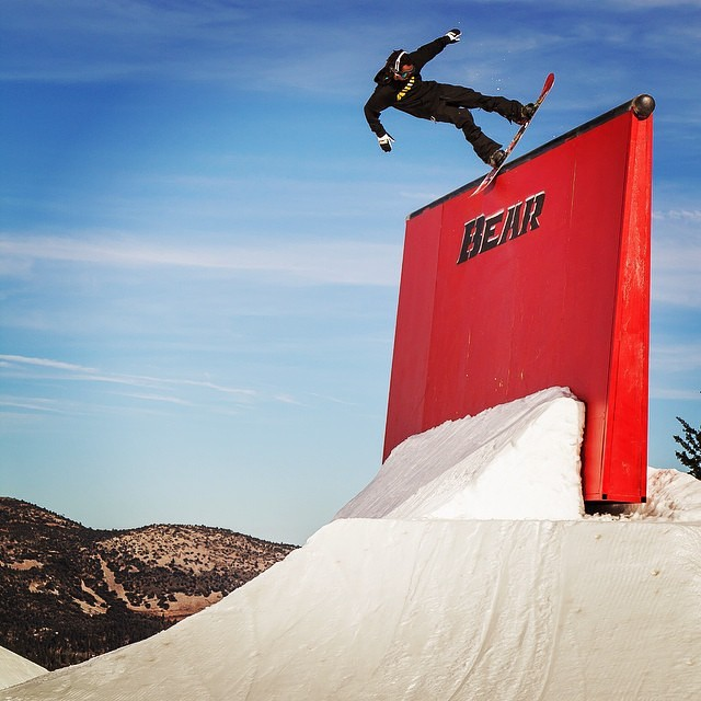 Beware of the @shr3dmambaaaa ! Perched in a Blunt high atop the #redmonster up on @bear_mountain #regram Photo