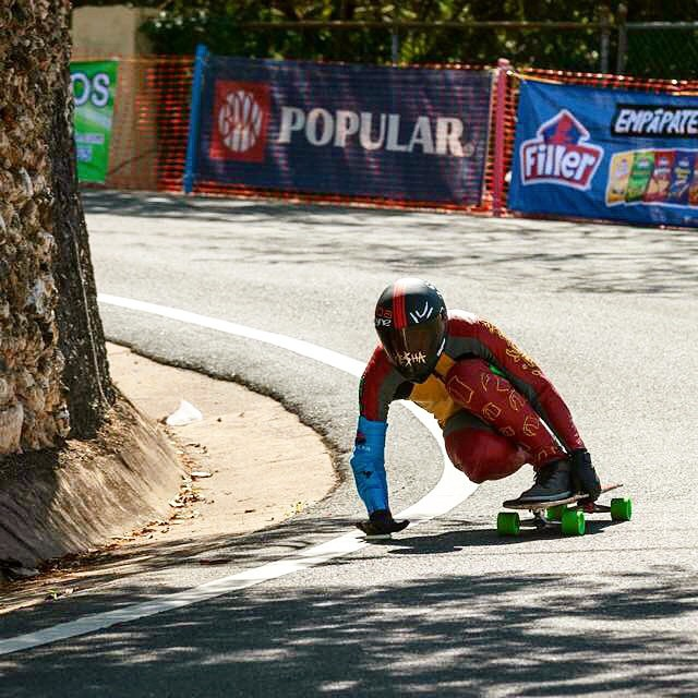 @robertocobain looking beasty gripping them turns at the #guajataka downhill last weekend #keepitholesom #puertorico