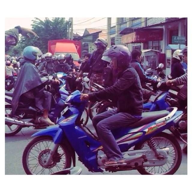 Motorbike Monday - crosstown traffic