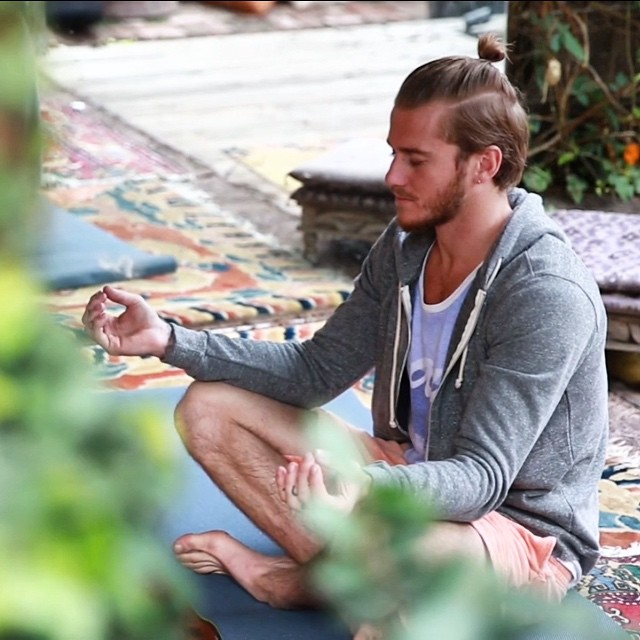 Take 10 quiet minutes everyday for yourself {in your fav hoodie}. #meditate #centered #peace #healthy #mind #body #pathtofit