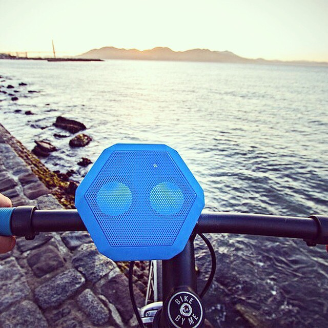 Our Handlebar Mount is the strongest, most secure way to mount your Boombot to your bike. Enter to win one alongside a REX of your choice by clicking the link in our bio! #FTW #Giveaway #rideLOUD #Boombotix