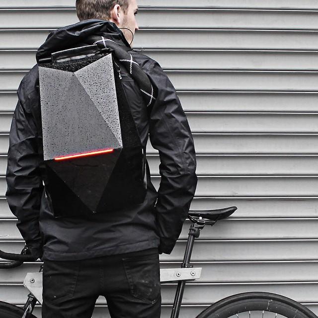 Dopest Backpack EVER! #futuristic #lighttheride #fixedgear #singlespeed #trackbike #dope #messlife #boombotix