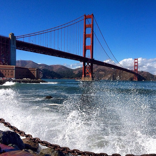 West Coast Waves! // photo @jordiesunshine @sanfrancisco #disidual #distinctindividual #brokeandstoked #westcoast #disiduallivin #sanfran #surf #goldengate #sanfrancisco