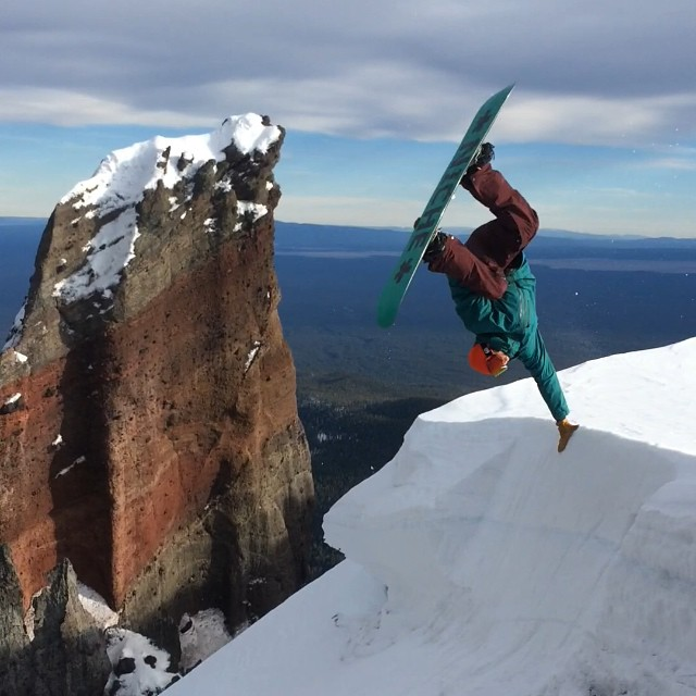 Jonny Sischo (@winterislove) plants one high above the Oregon floor after a long split up... #earnyourplants