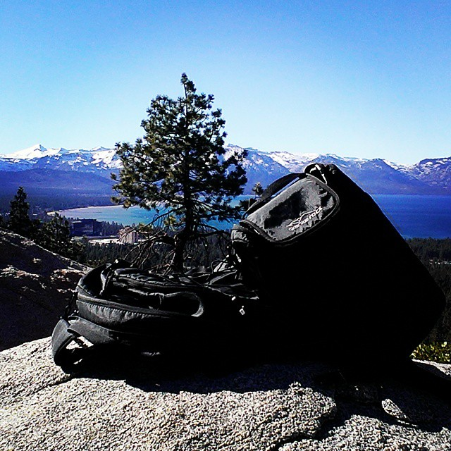 Short #hike to a great view point with the Tahoe.  #thetahoe #laketahoe #warmdays #feelslikespring #graniterocx
