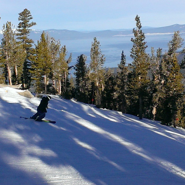 Enjoying some good #snow at Heavenly today.  #2015 #outdoors #tahoe #tahoeskibum #graniterocx #olympic