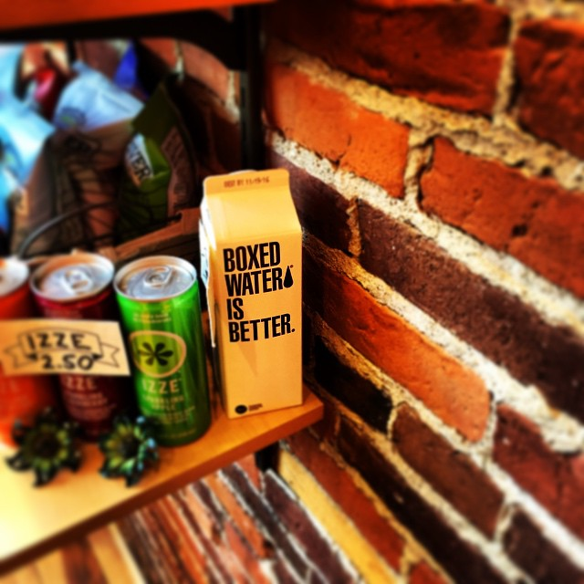Good Morning @boxedwater! So nice to see you at the #tightsqueezecoffeeshop in #Burlington #Vermont this morning. #loveblue