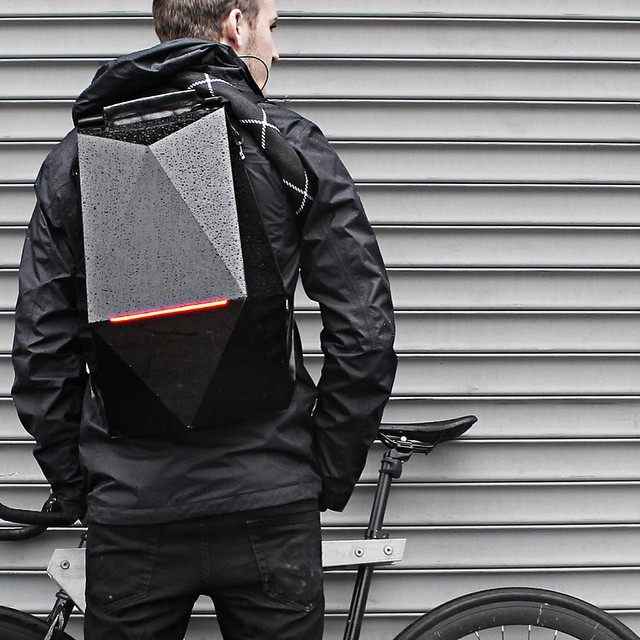 Dopest Backpack EVER! #futuristic #lighttheride #fixedgear #singlespeed #trackbike #dope #messlife #boombotix