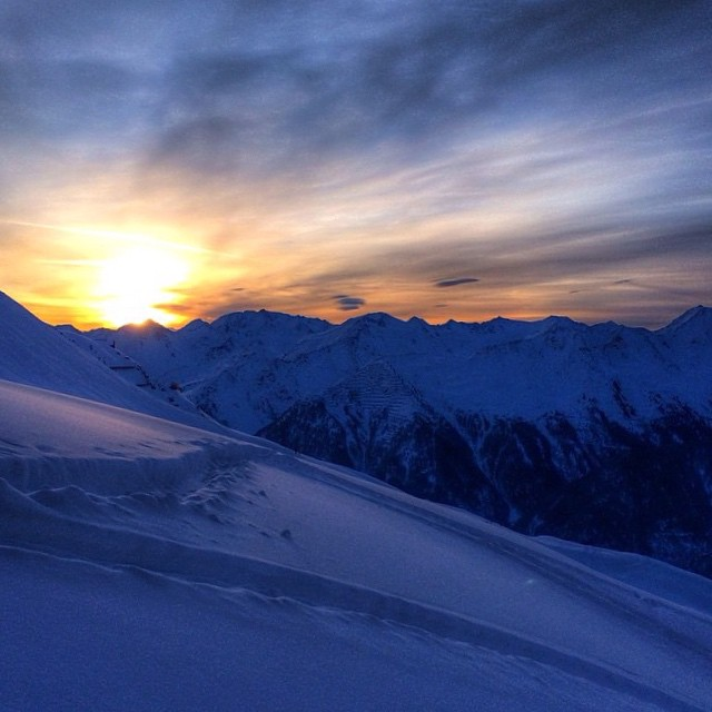 The weekend is coming in hot.  We hope this sunrise captured by #FWT15 athlete, @peltski, in #Kappl, Austria inspires you to get the ball rolling on your next adventure // #seizethecarpe  #plantyoursoul  #soulfulsituations