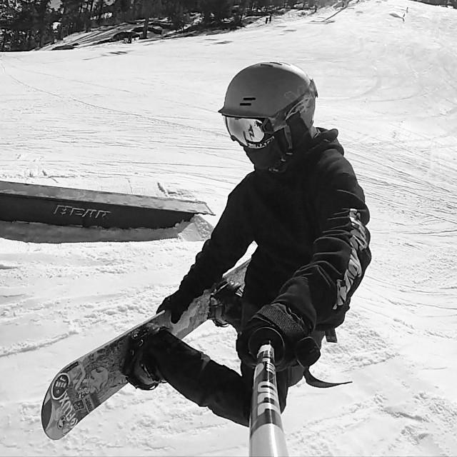@taratatethegreat at Bear Mountain Grrrrrrrrr!! @bear_mountain #xshelmets #xsteam #forgirlswhoshred #bearmountain #snowboard #skatebikeboardski
