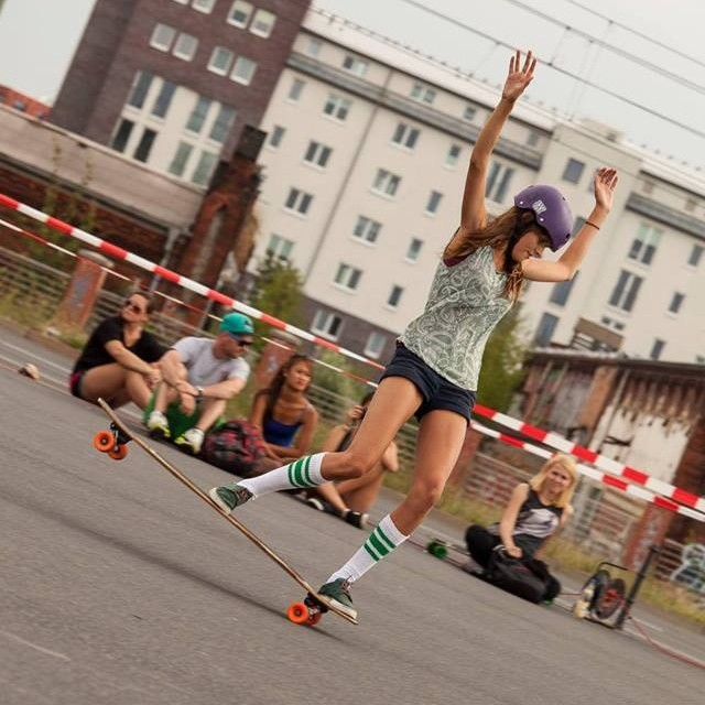 @femkebosma killing it during the European Dance Championship in #Berlin. Pic @maria_aprilfools #longboardgirlscrew