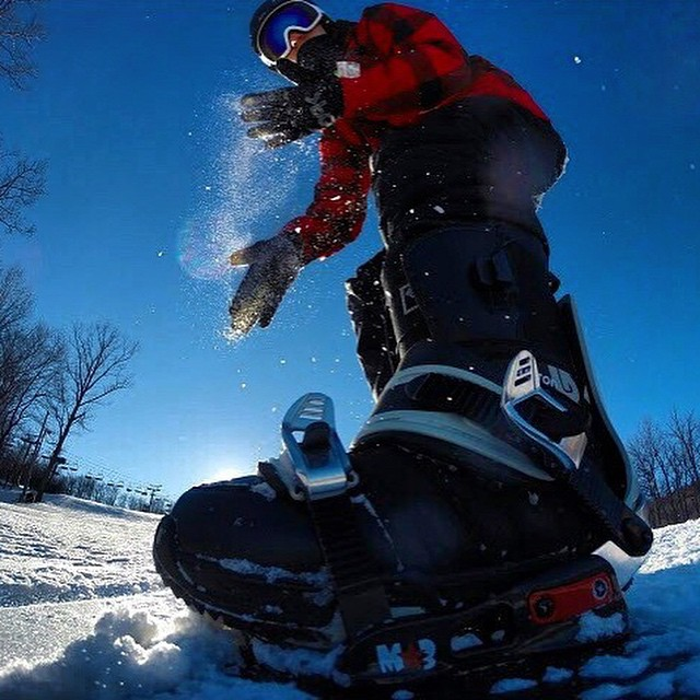 Dust it off and keep on keeping on #earnyourturns #protectourwinters #snowboarding  #photooftheday