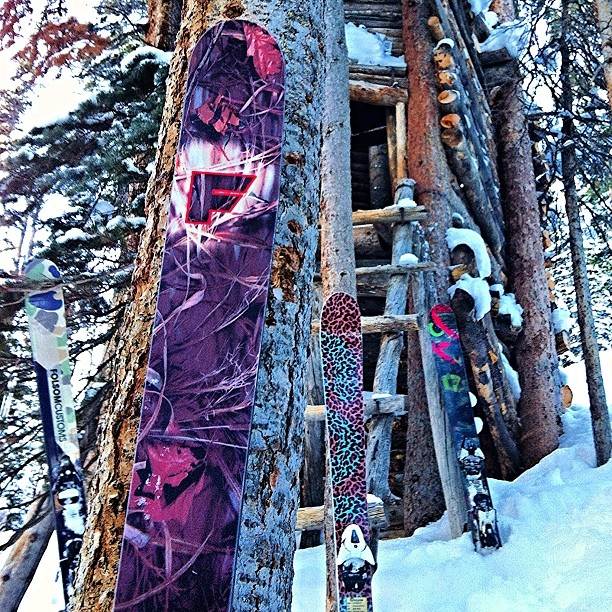 Can you spot all the skis? All with different types of #camouflage blending in to their natural surroundings.