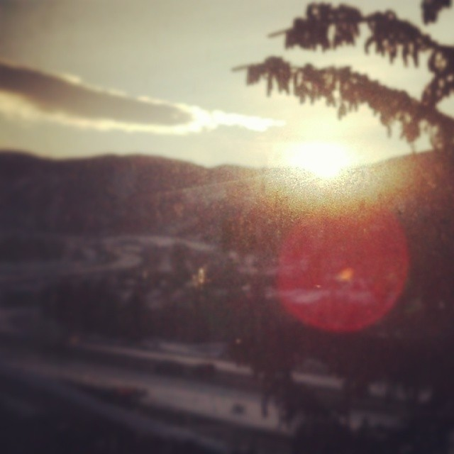 Sunrise in Avon, Co today. I never see sunrises. Good start to a great day.