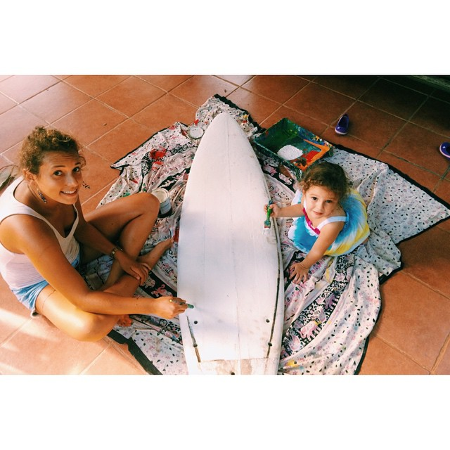 """""""Au revoir"""" to our wonderful intern, Melissa, who has spent the last 6 months with Bodhi taking pictures, painting, and working on a number of different projects both for us and the community of Bahia Ballena! She also found a big fan in Maya Paz :)..."""
