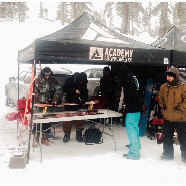 Team riders @billy_garcia_ and @roycephotogs helping our Sales Manager, Jason turn screws at the Mt. Rose demo yesterday. Shops got to shred the new 15/16' Academys on 2 ft of new Tahoe pow.