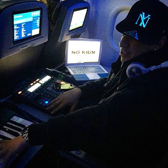 #KidCapri rocking his NY Lumativ snapback mid flight!