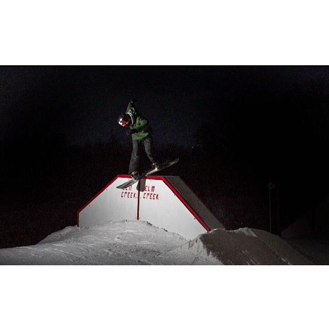 Team rider from #Minnesota @azizipflipsen❄️#FrostyHeadwear #Snowboarding #EmbraceYourOpportunity #ElmCreek