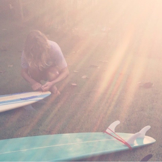 El mejor ritual de atardecer con nuestro Featured Artist @viktornash #Art #Volcom #Surf #TrueToThis