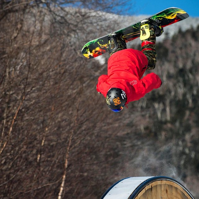 Team rider from #NewYork @scp_bofr❄️#FrostyHeadwear #Snowboarding #EmbraceYourOpportunity