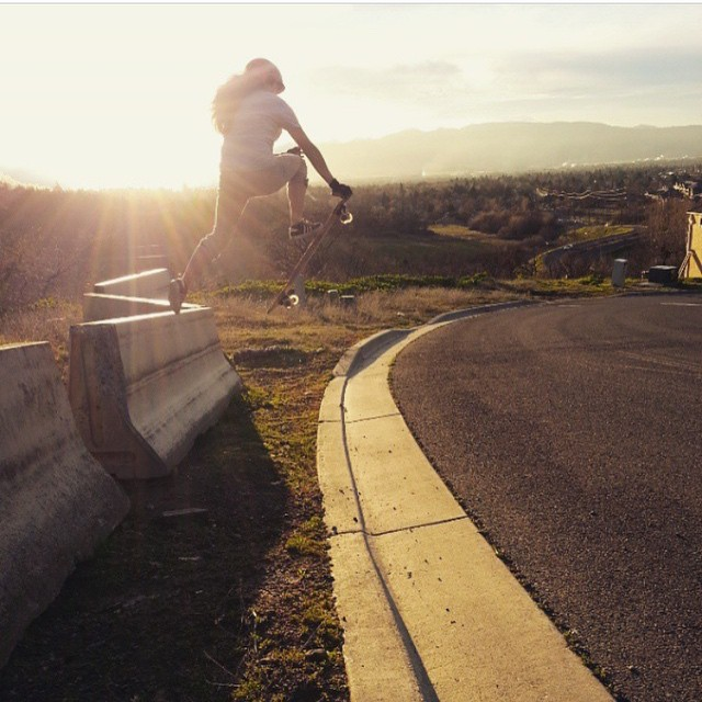@carmen_sutra with a lil jersey barrier acid drop. photo @fillbackside