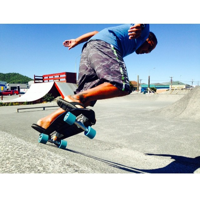 Backside top turn in Greymouth, NZ from the captain of stoke @aaroncharart! #netstodecks