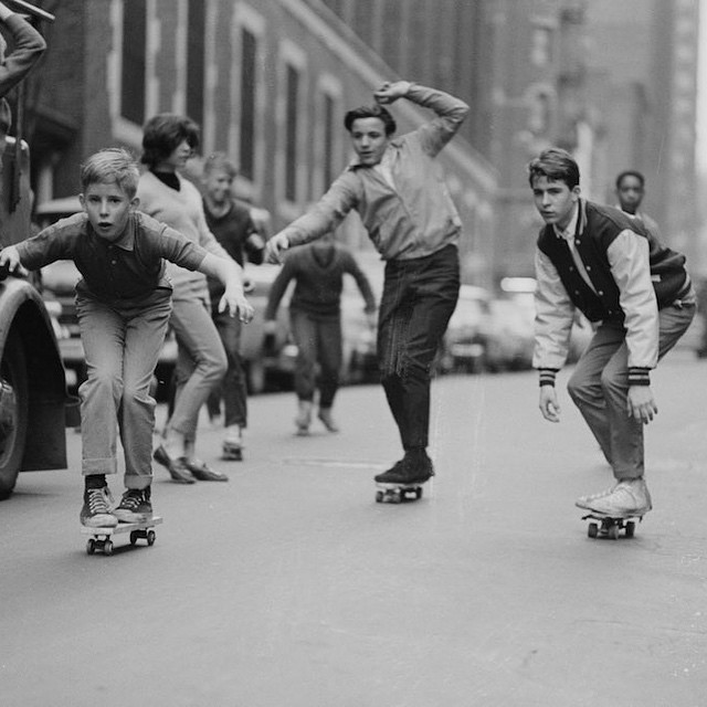 Throwback all the way to these pioneers cruising the streets of New York City in the 60's ✌️#respect #naturallogskateboards #handcrafted #bamboo #cruiser #skateboard #longboard #from #sandiego #california