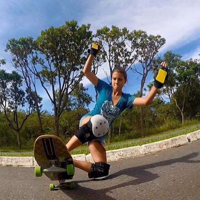 Brazilian rider @maria14licursi ripping! @marcolicursii photo.  #longboardgirlscrew #girlswhoshred #mariaclaraviana #brazil #brasil