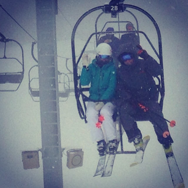 #dumping #mountsnow #beartrap #moguls #skiing @skitheeast #rossignolskis #ilovermont #JustSendIt @kateemcneil @valleybikeandskiwerks @djc4 @ericjunge
